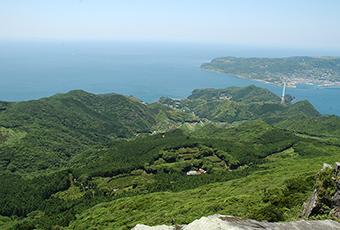 安満岳頂上から春日集落、生月島